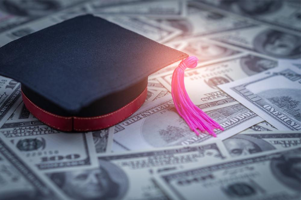 Texas Lowers Interest Rates On Student Loan Program