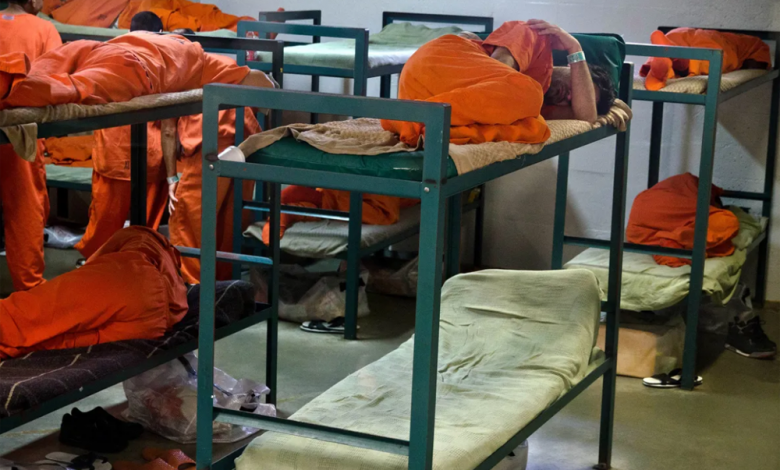 Photo of As Local Officials Shrink Jail Populations Due To Coronavirus, Abbott Blocks Release Of Some Inmates Who Can't Pay Bail